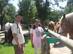 Thomas en Adrita op de Ferme de chevals Thierrie